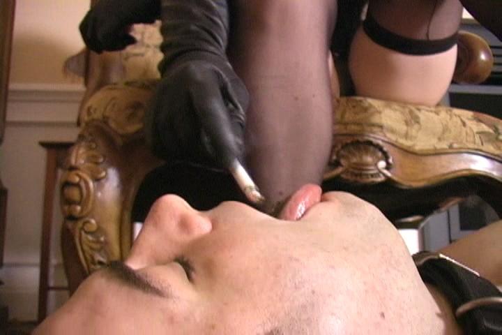 Sperrgebiet numéro 19 - DVD avec une vraie Maîtresse