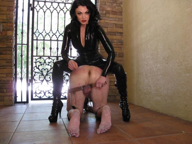 госпожа олеся учит своих рабов - 9